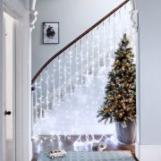 WC_Cool-White-Curtain-Light-Staircase-With-Christmas-Tree
